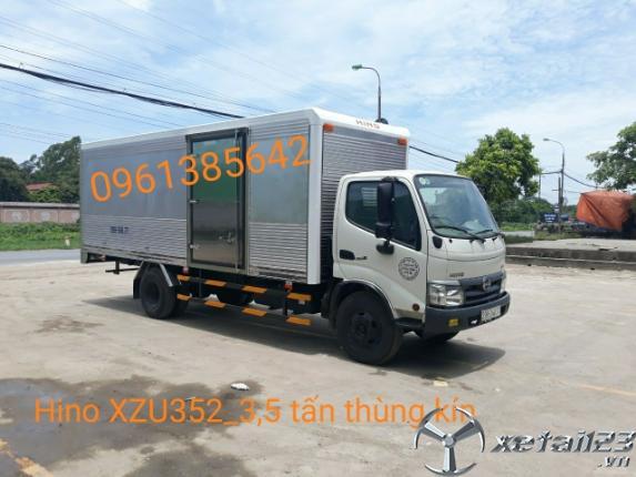 Gía xe Hino XZU352L 3,5 tấn thùng kín