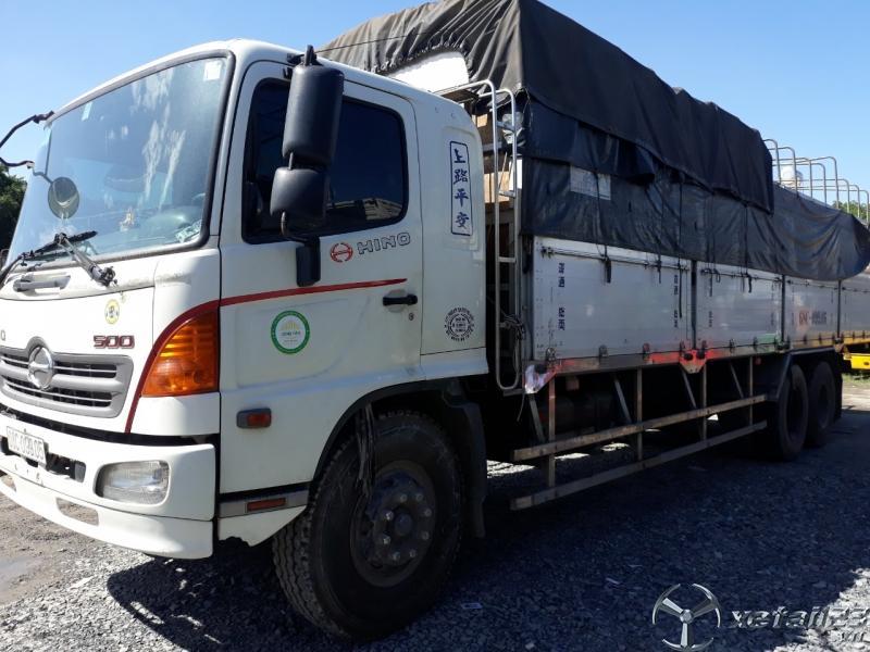 cần bán xe tải HiNo FL đời 2017 đăng ký 2018 xe zin đẹp có hỗ trợ trả góp TPHCM
