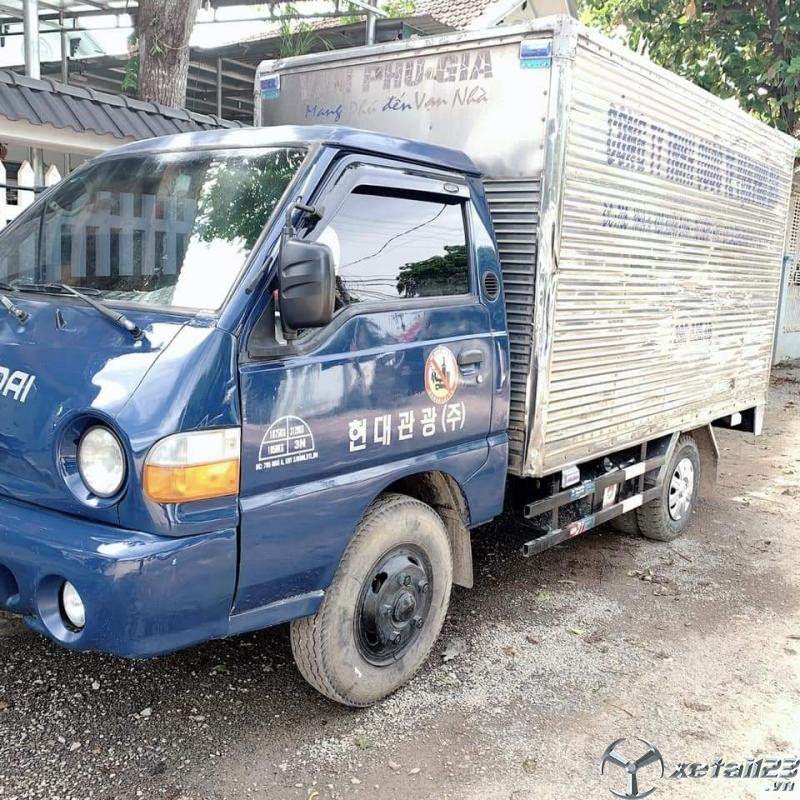 Bán Hyundai Porter H100 đời 2009 thùng kín . Chỉ với 168 triệu nhận ngay xe đẹp