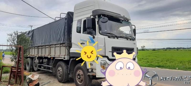 Cần bán xe ô tô tải Việt Trung đời 2015 thùng mui bạt giá 650 triệu