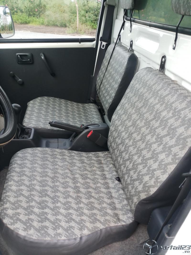 Xe tải Suzuki đời 2014 thùng kín đã qua sử dụng cần bán .Xe đẹp , giá rẻ sẵn giao ngay