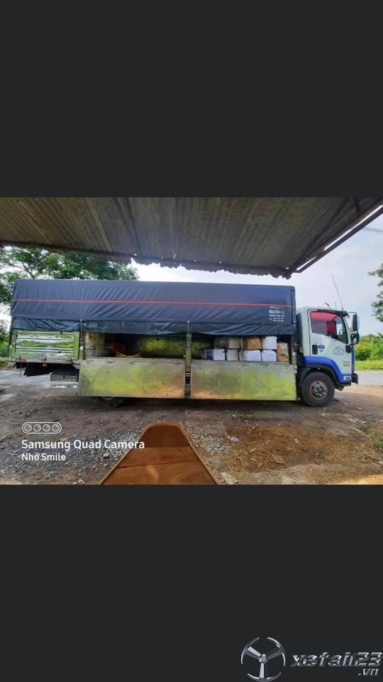 Bán xe Isuzu đời 2016 thùng mui bạt với giá 720 triệu