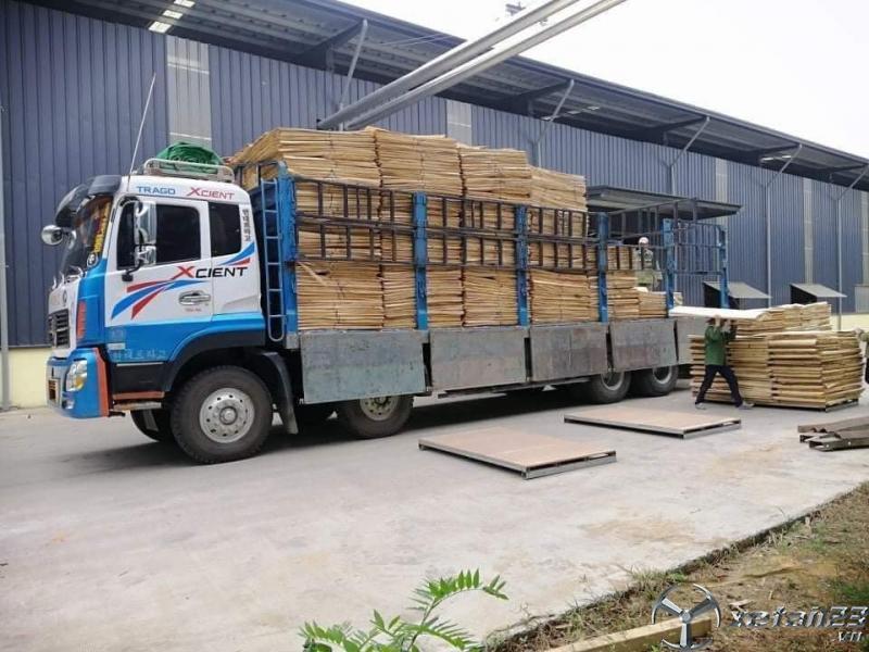 Cần bán xe Trường Giang đời 2015 thùng mui bạt với 625 triệu