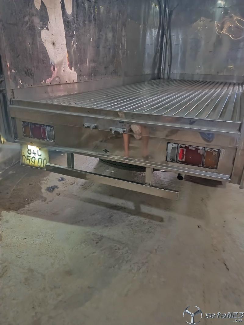 Rao bán Isuzu 2,1 tấn  đời 2017 thùng mui bạt