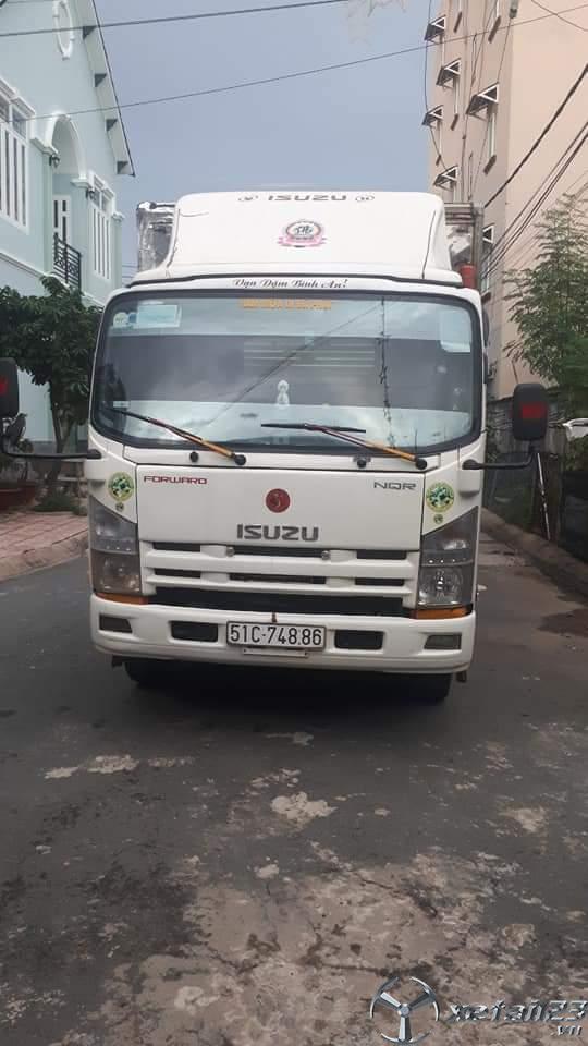 Cần bán Isuzu đời 2016 thùng mui bạt giá 560 triệu