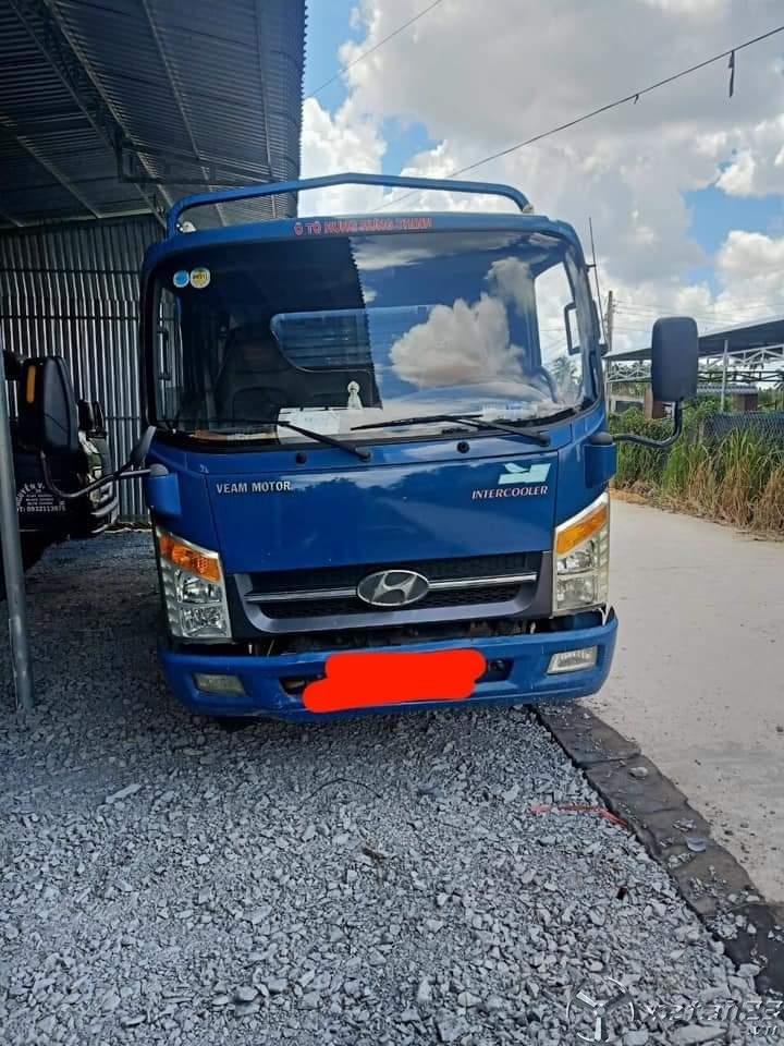 Cần bán gấp xe tải veam sx 2016 thùng mui bạt với giá 235 triệu