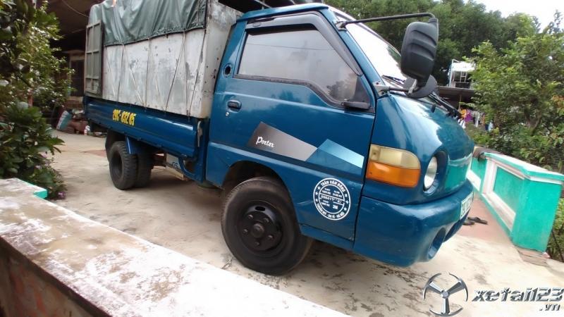 Cần bán gấp xe Hyundai Porter H100 đời 2005 thùng mui bạt