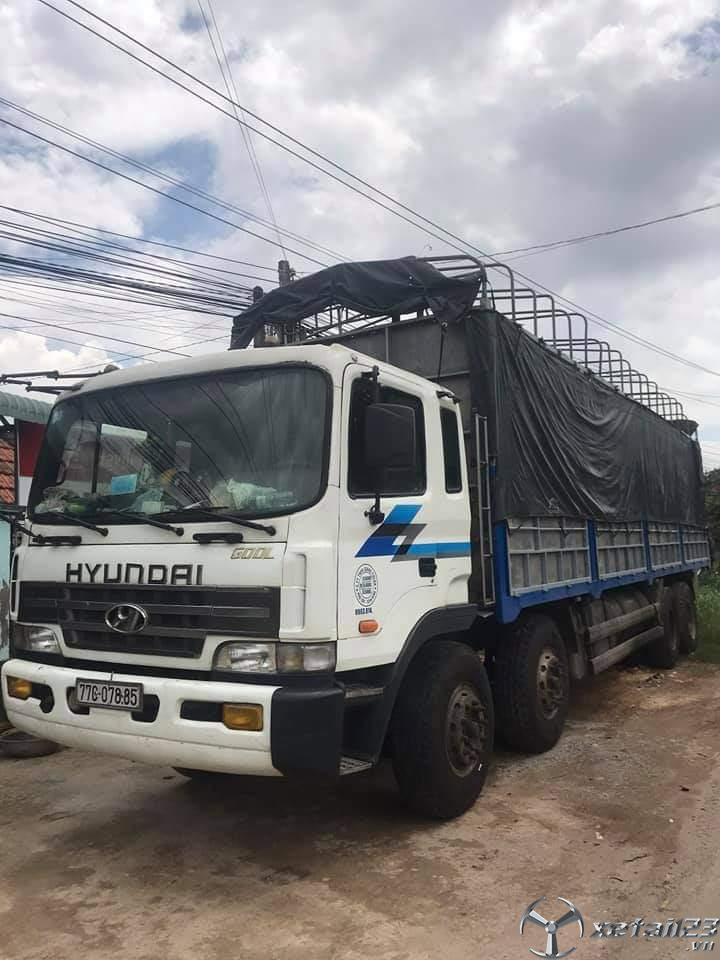 Rao bán xe Hyundai đòi 2002 thùng mui bạt với giá 650 triệu