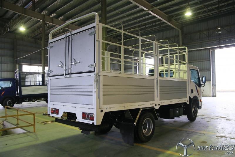 Xe tải nissan 1.9 tấn thùng bạt 4m3 nhập khẩu