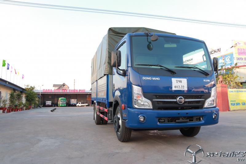 Xe tải nissan 3.5 tấn thùng bạt