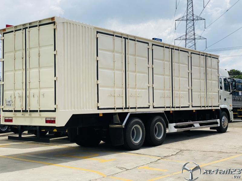Xe Tải Jac 3 Chân A5 Thùng Kín Container