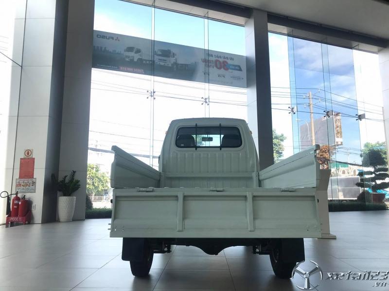 xe tải nhẹ máy xăng Towner 800