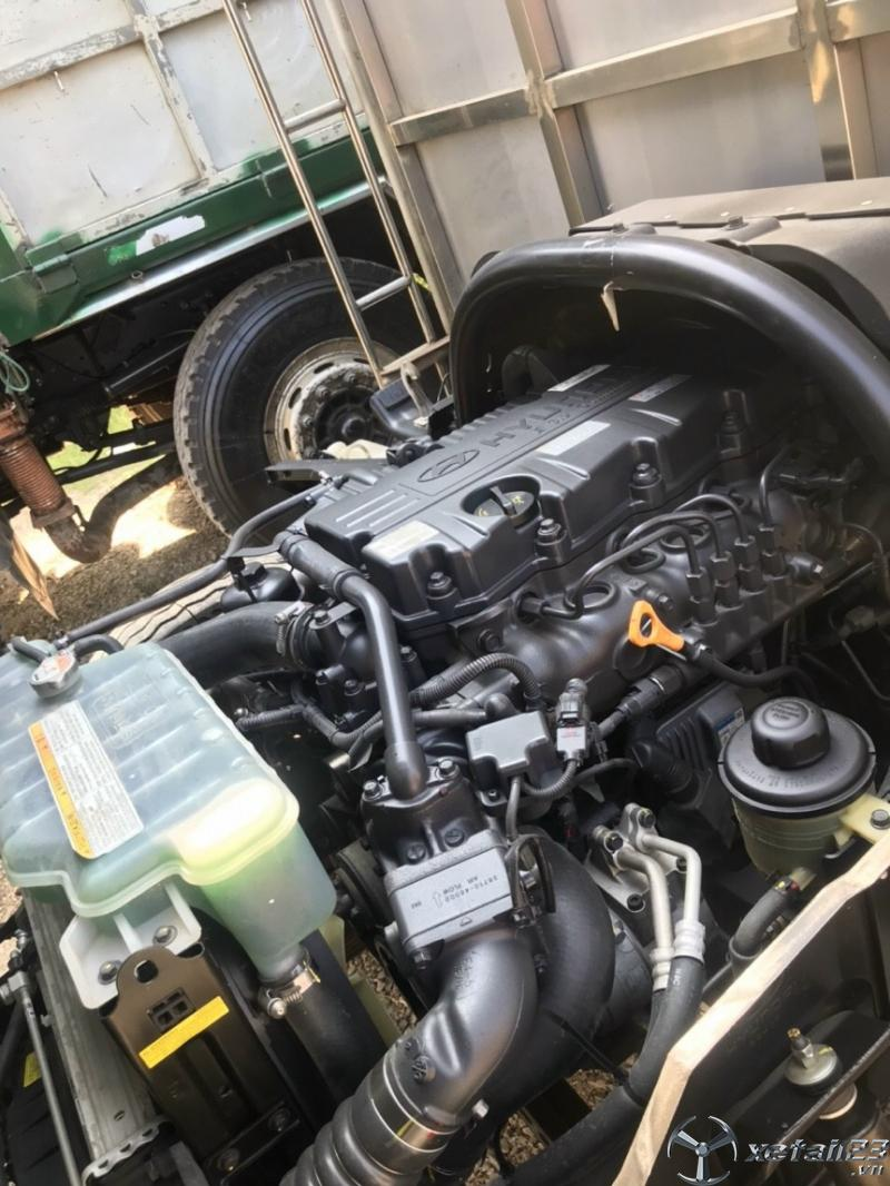Xe Hyundai Mighty 110S 6,9 tấn đời 2018 thùng mui bạt cần bán giá tốt nhất