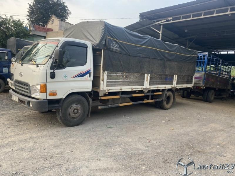 Bán Hyundai Mighty 120SL tải 8,1 tấn đời 2017 thùng mui bạt