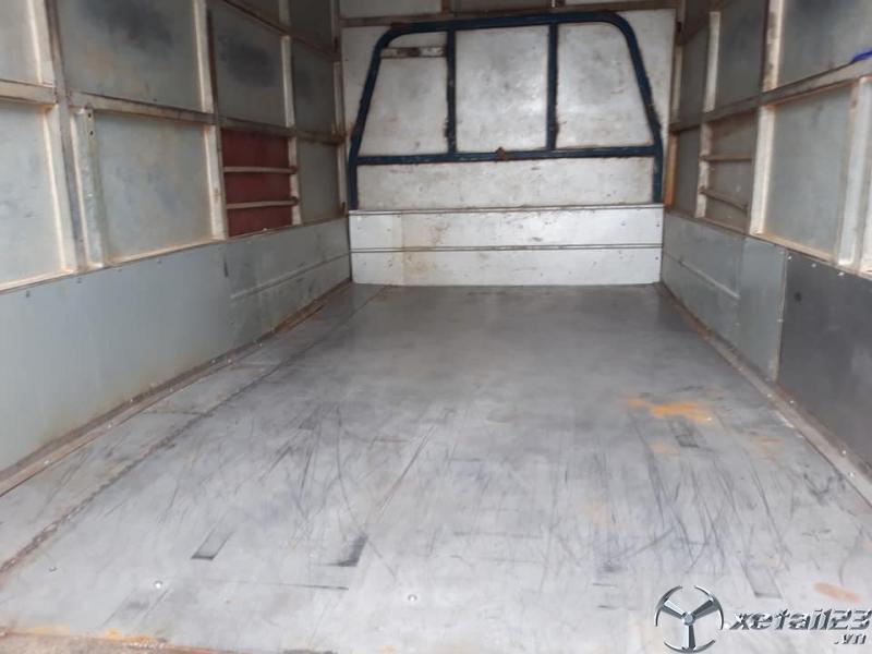 Cần bán gấp xe Giải Phóng 750 Kg đời 2005 thùng kín