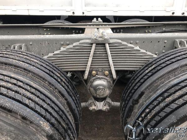 Mua xe tải thùng 4 chân Howo A7 nóc cao liên hệ 0373073259
