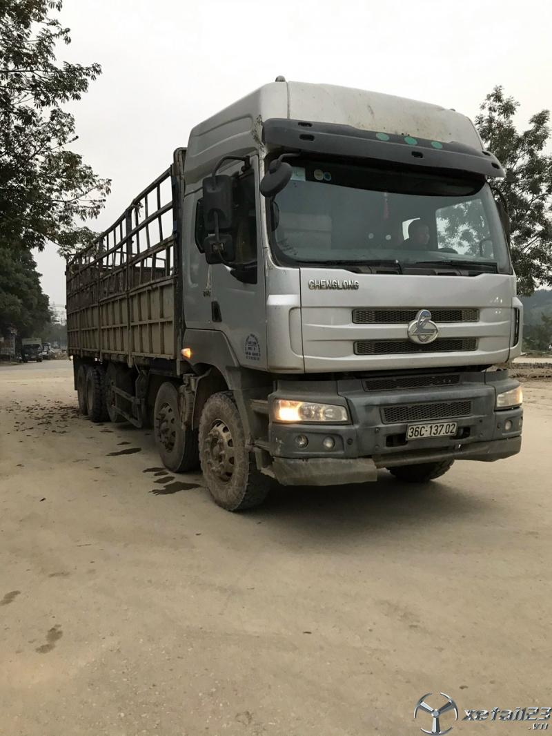Bán gấp xe Chenglong 5 chân đời 2015 thùng mui bạt tải trọng 22,5 tấn