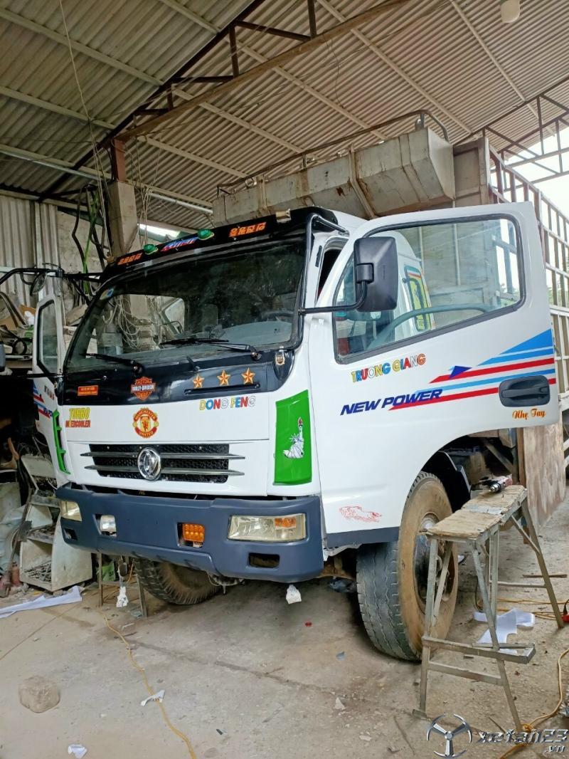 Bán gấp xe Trường Giang đời 2009 thùng mui bạt dài 8,9m