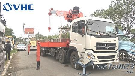 Xe Dongfeng Hoàng Huy gắn cẩu tự hành Kanglim 10 tấn mới 100% giá tốt nhất
