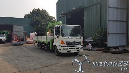 Xe Hino FC E4 gắn cẩu tự hành Hana 3 tấn mới 100% chất lượng cao , bảo hành dài hạn