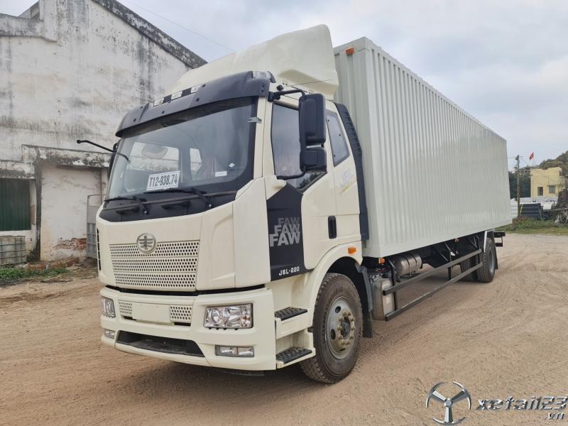 Xe tải faw 8 tấn thùng kín dài 9.7m giá tốt