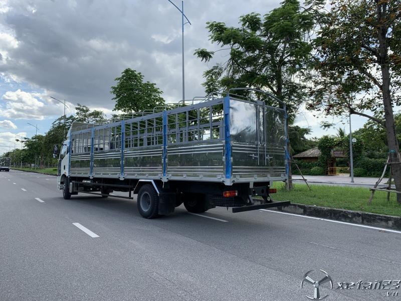 Xe tải faw 8 tấn thùng mui bạt dài 9.7 m giá tốt khuyến mãi lớn