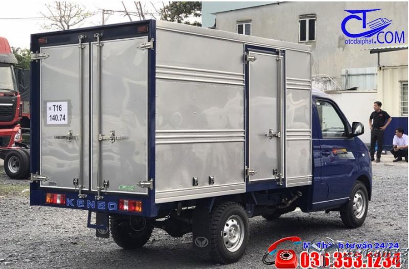Xe tải Kenbo 900 kG thùng kín. Nhỏ gọn, phù hợp đi trong thành phố.