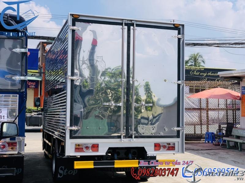 xe  tải nissan 1t9 thùng kín  4m3