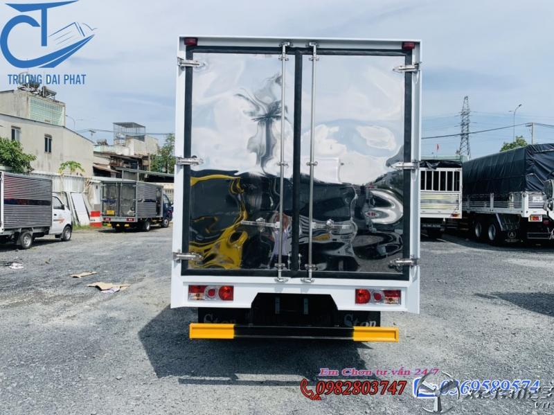 xe tải nissan 1 tấn 9 thùng kín