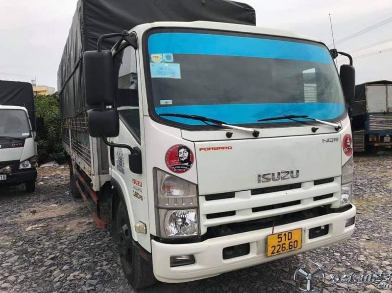 Xe Isuzu 5 tấn đời 2017 phiên bản thùng kín đã qua sử dụng cần bán giá tốt nhất