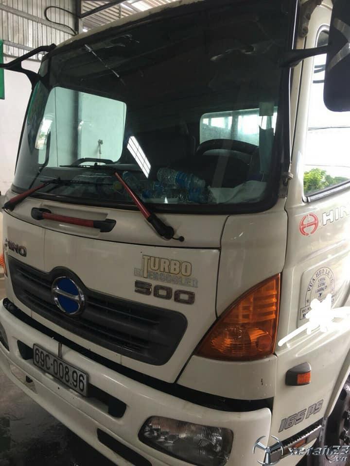 Bán gấp xe Hino FC đời 2013 thùng chở gia súc , gia cầm với giá 670 trệu