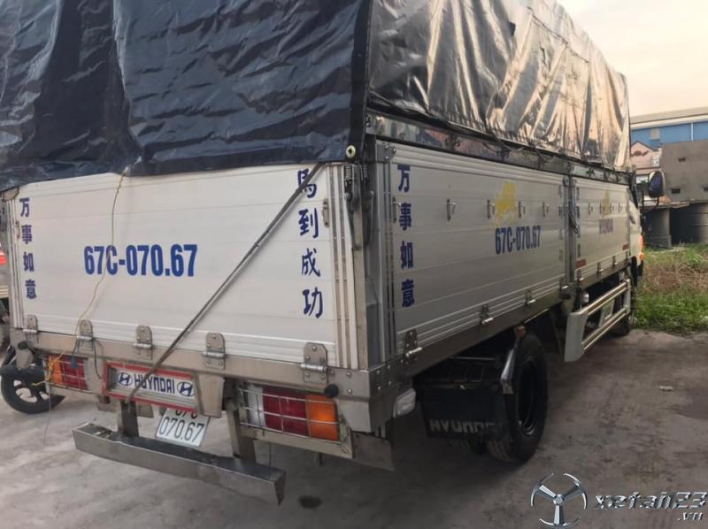Cần bán xe Hyundai Mighty HD700 đời 2016 thùng mui bạt với giá 595 triệu