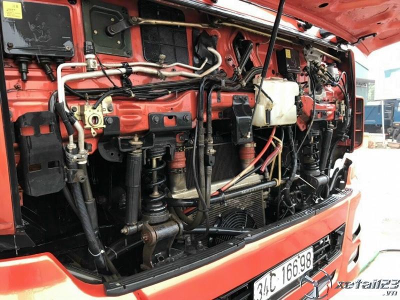 Cần bán xe Dongfeng Hoàng Huy 5 chân sx 2015 , đăng kí năm 2017 thùng mui bạt