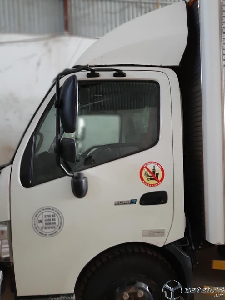 Bán Hino 5 tấn đời 2016 thùng kín