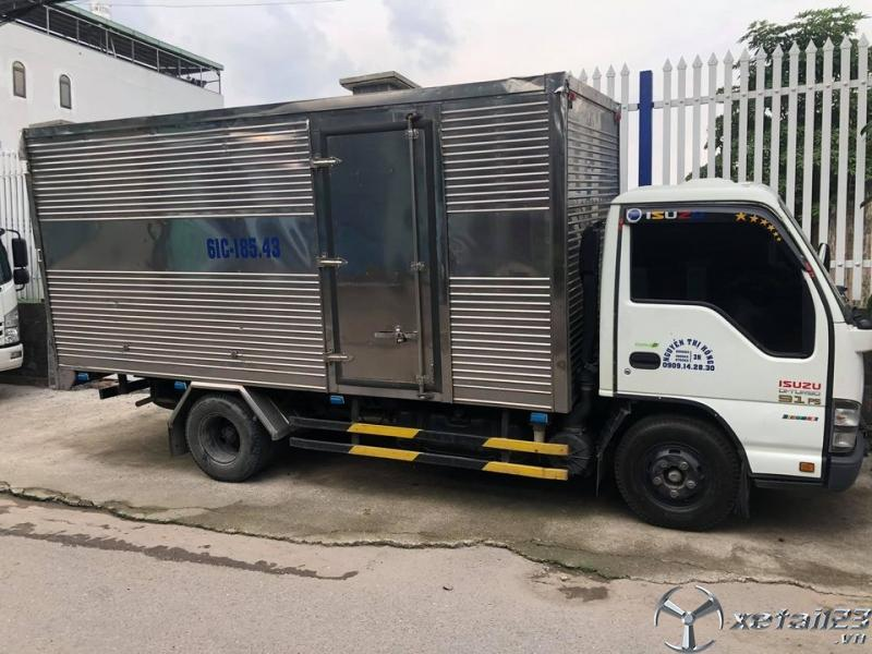 Rao bán xe Isuzu đời 2015 thùng kín với giá 370 triệu