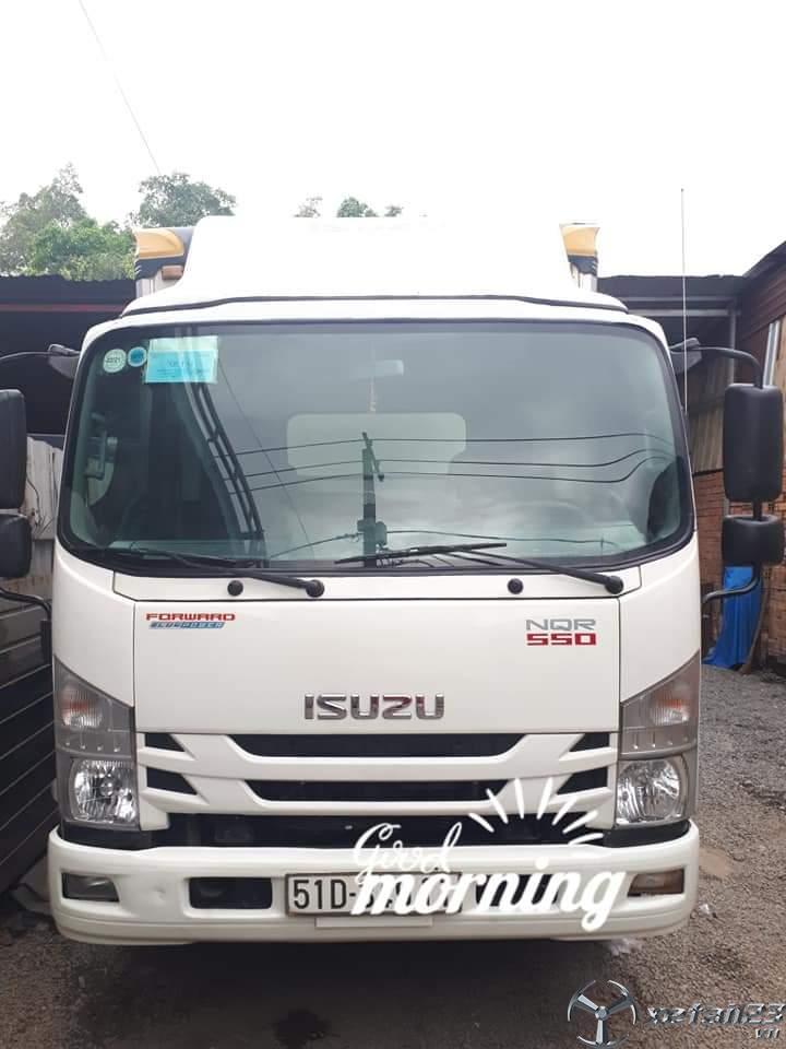 Bán xe Isuzu tải trọng 5 tấn đời 2019 thùng kín