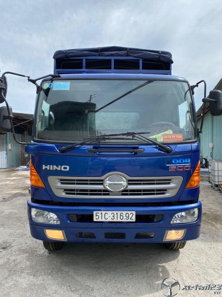 Bán Hino 8,5 tấn sx 2012 thùng mui bạt giá rẻ nhất , sẵn xe giao ngay