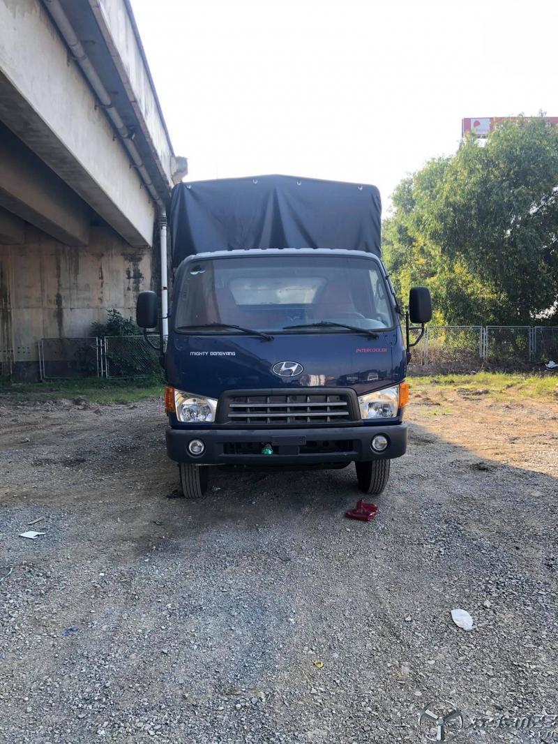 Rao bán xe Hyundai HD700 sản xuất 2017 thùng mui bạt , xe đẹp sẵn giao ngay
