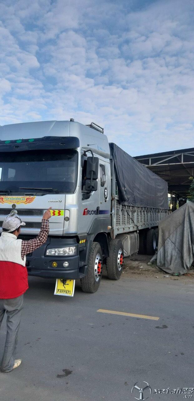 Bán xe tải 4 chân Chenglong 2017 đăng ký 2018, lốp đẹp cả dàn