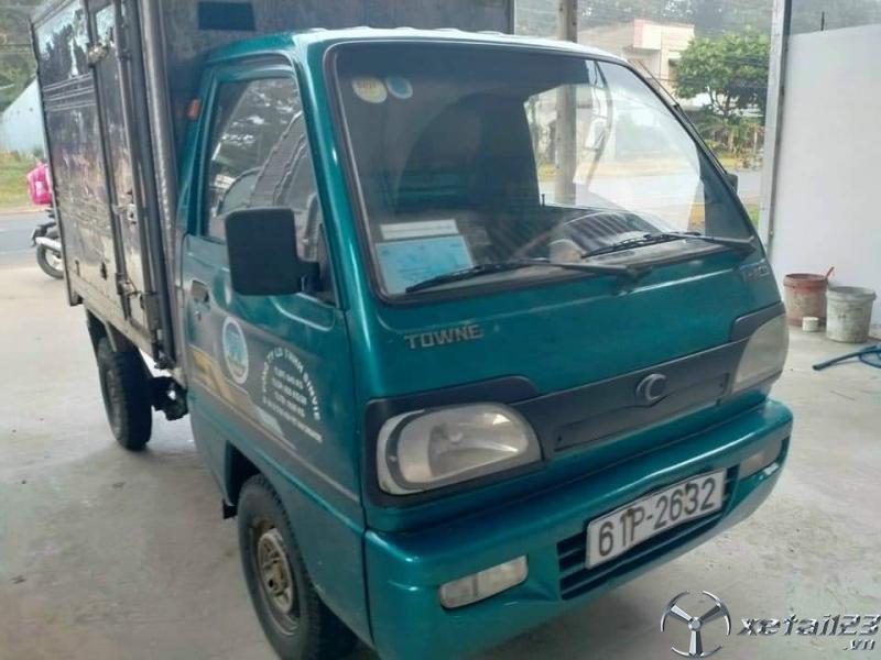 Thanh lý gấp xe Thaco Towner 650Kg đời 2010 thùng kín