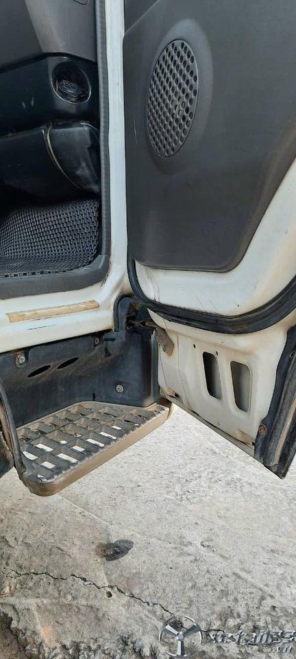 Cần thanh lý gấp xe Isuzu 1,25 tấn đời 2005 thùng kín