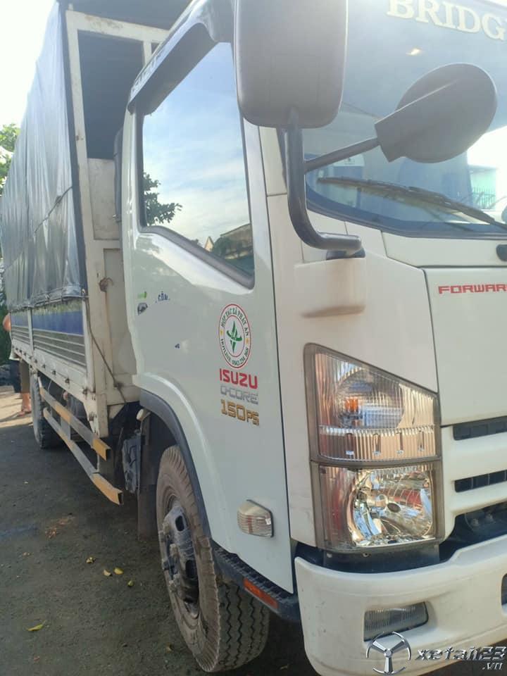 Cần bán gấp xe Isuzu 5 tấn đời 2015 thùng mui bạt