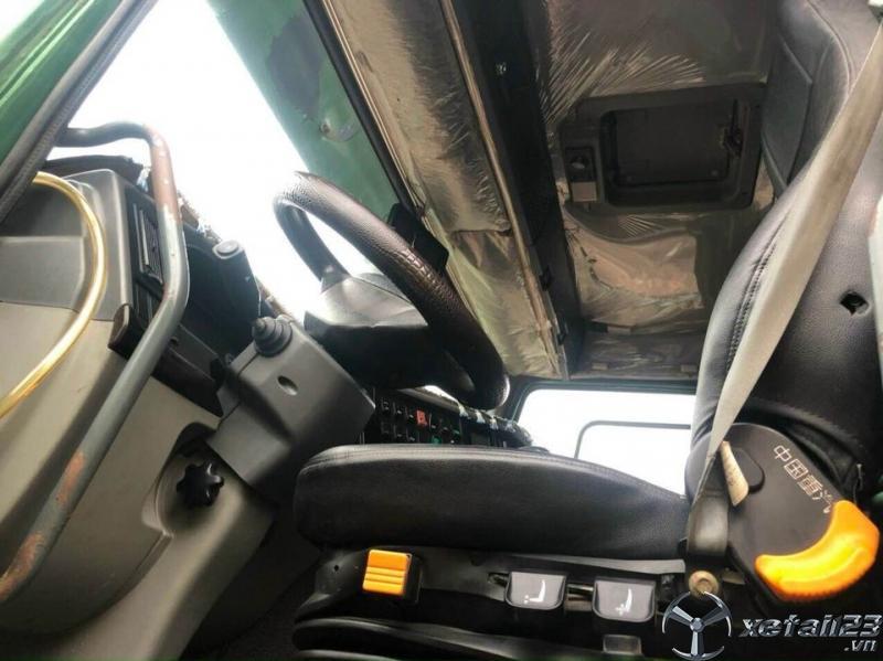 Cần bán xe ben Howo 4 chân sx 2016 , đăng kí năm 2017