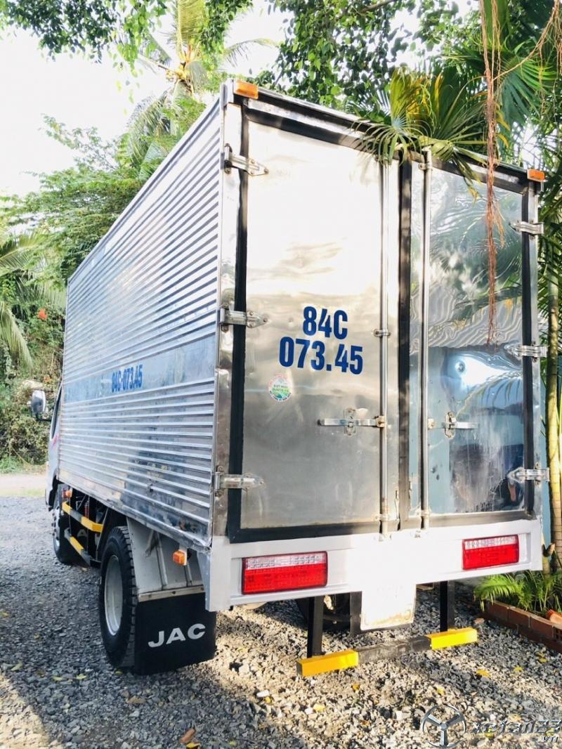 Cần bán JAC thùng kín đời 2017