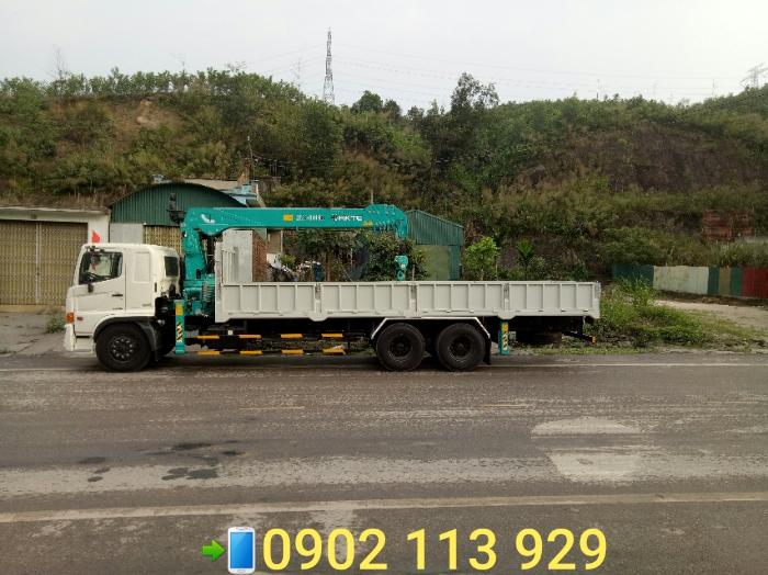 Cẩu  tự hành 7 tấn HKTC  6 đốt, lắp trên xe 3 chân hino FM  series 500 hai cầu thật