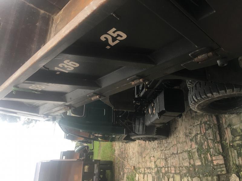 Xe ben 2,35 tấn, xe mới về máy móc nguyên bản