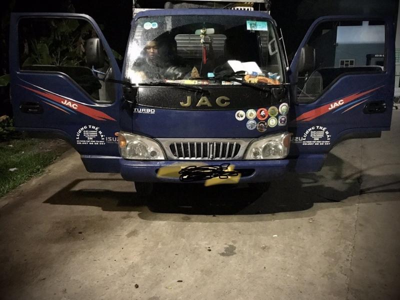 Bán xe JAC đời 2017 sản xuất tại Việt Nam phiên bản thùng mui bạt