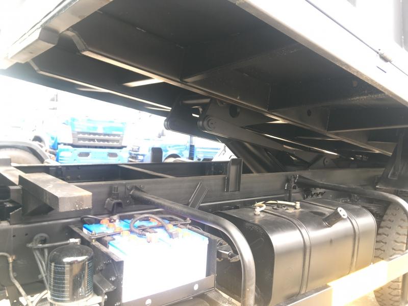 Cần thanh lý Xe Ben TMT 9t1 Sinotruk đời 2017 Ga Cơ, Chỉ cần 165tr nhận xe ngay