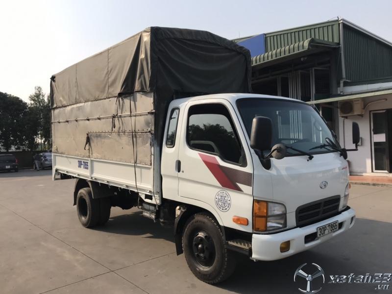 Bán xe Hyundai 2,5 tấn sx 2005 thùng mui bạt , xe cực đẹp giá 220 triệu