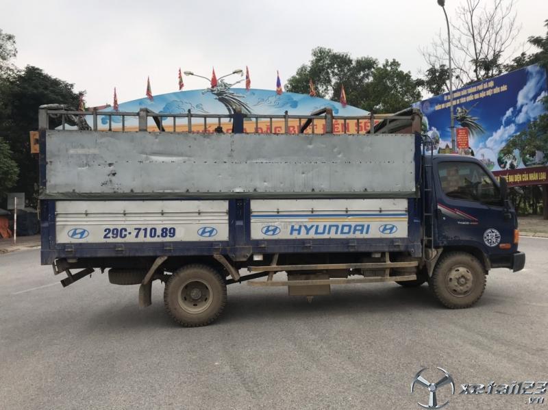 Bán xe Hyundai HD65 tải 6,4 tấn đời 2016 thùng mui bạt